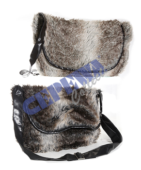 Fur shoulder bag with union