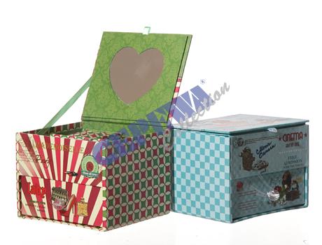 Retro jewelry box<br>sorted,