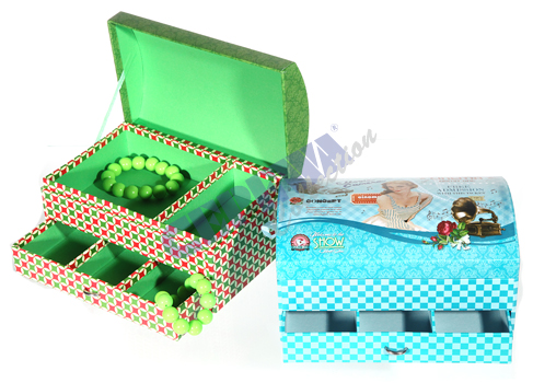 Jewelry box<br>treasure chest Retro